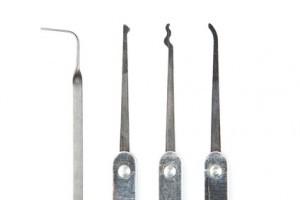 Spezialwerkzeug für Türöffnung